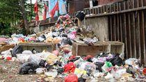 Tak Kunjung Diteken Anies, Sampah Plastik Masih Hantui DKI
