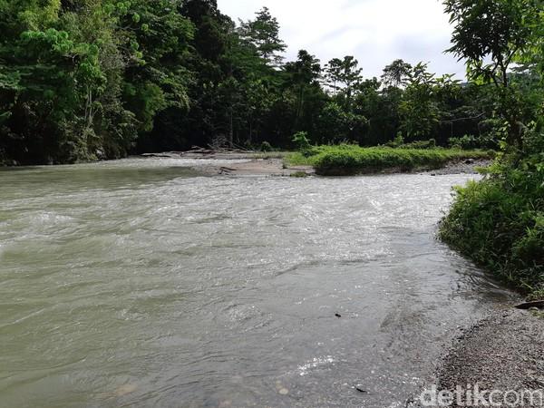 Nama Kali Jodoh lahir dari masyarakat. Sungai ini tempat berkumpul oleh masyarakat. Mulai mandi-mandi sampai bakar ikan. (Bonauli/detikcom)