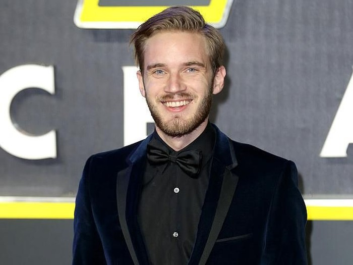 LONDON, ENGLAND - DECEMBER 16: PewDiePie attends the European Premiere of
