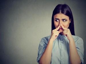Cara Menegur Orang yang Bau Badan Menurut Psikolog
