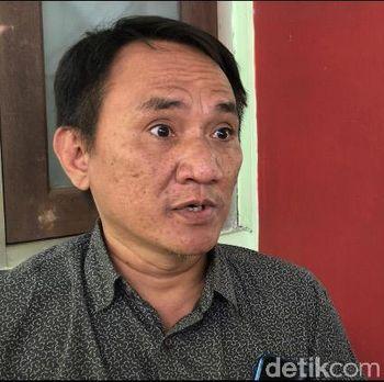 Andi Arief di RSKO Jakarta, Cibubur, Jakarta Timur.