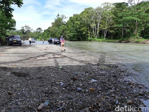 Banyak muda-mudi yang menemukan pasangan di tempat ini. Sehingga masyarakat menyebut sungai ini dengan nama Kali Jodoh. (Bonauli/detikcom)