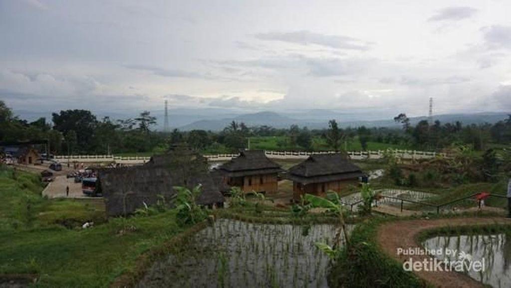 Penat? Coba Main ke Kampung Budaya Pandan Wangi Nan Asri
