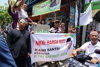 Nyekar ke Wali Pitu di Bali, Sandiaga Disambut Spanduk Ma'ruf Amin