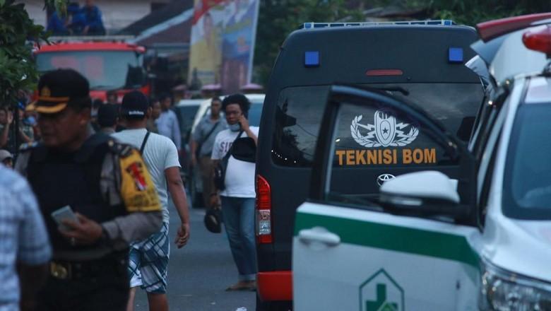 Polisi Duga Ada Sisa Bom di TKP Istri Terduga Teroris Sibolga Meledakkan Diri