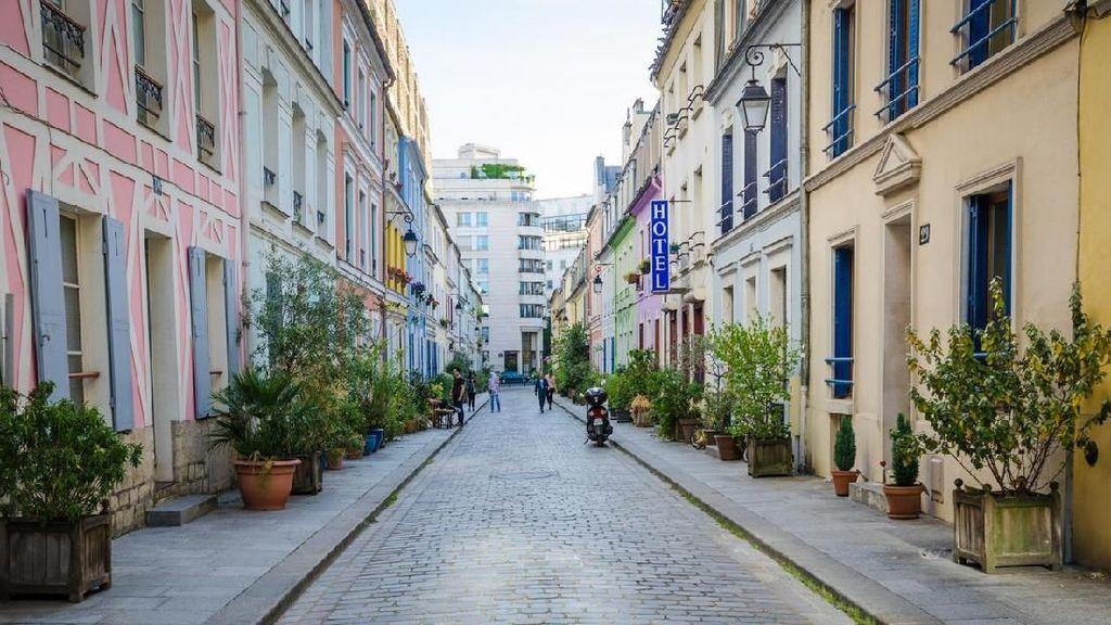 Duh! Warga di Paris Kesal Kompleknya Jadi Spot Foto Turis