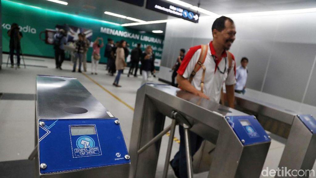 Tak Tertib Naik MRT? Siap-siap Kena Sanksi