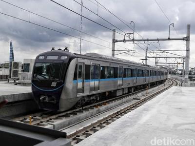 MRT Jakarta Bikin Bangga