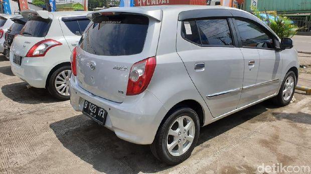 10 Mobil Bekas Rp 100 Jutaan buat Kantong Pas-pasan