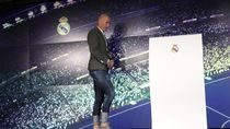 Jadi Pelatih Madrid, Gaya Zidane Pakai Skinny Jeans Diomongi Netizen