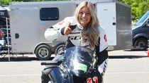 Bikin Pria Minder, Wanita Cantik Ini Jago Balapan Motocross Hingga Mobil Truk