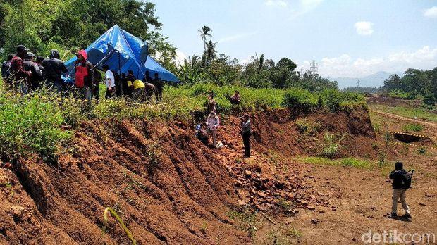 Situs di tengah proyek Tol Pandaan-Malang mulai diekskavasi