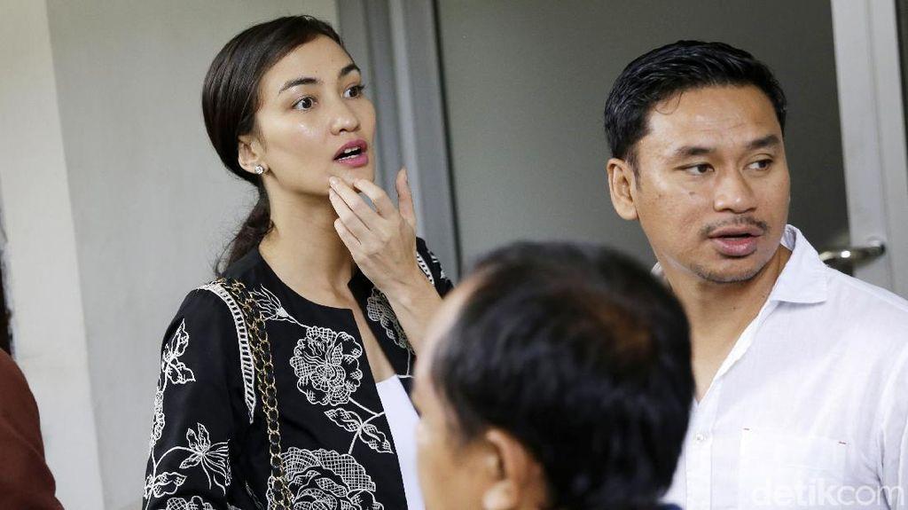 Eksepsi Ratna Sarumpaet Ditolak, Atiqah Hasiholan Kecewa Berat