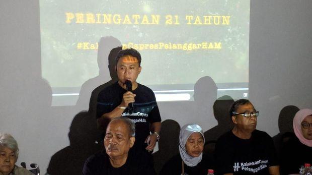 Hasil gambar untuk keluarga korban penculikan dukung jokowi