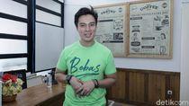 Baim Wong Bagi-bagi BBM Gratis, dari Mobil Hingga Bajaj