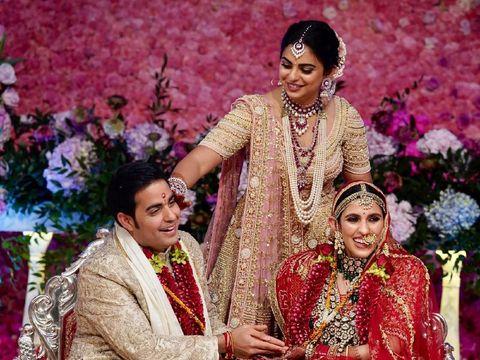 Pernikahan Akash Ambani dan Shlok Mehta.