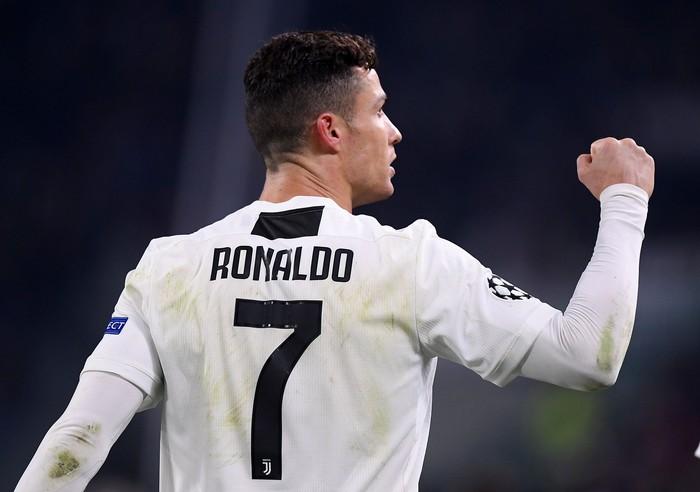 Ronaldo juga dikenal dengan gaya hidup bersih. Urusan makan, ia sangat memprioritaskan asupan protein. Ia juga menjauhi alkohol. Foto: Alberto Lingria/REUTERS