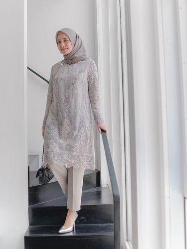 Tren Baju Kondangan Hijab Terbaru 2019, Cantik Nggak Pakai ...