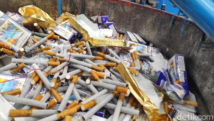 Ilustrasi rokok ilegal (Foto: M Taufiqurrahman/detikcom)