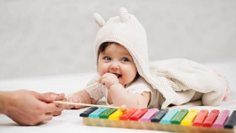 Stimulasi bayi/ Foto: iStock