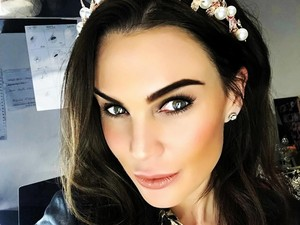 Ratu Kecantikan Kontroversial Ini Jual Foto Topless ke Penggemar