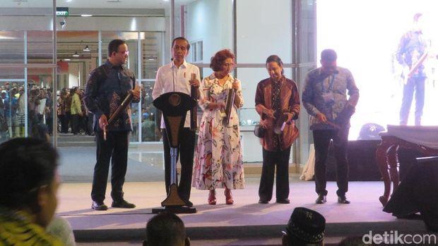 Jokowi Takjub ke Pedagang Ikan Omzet Rp 40 Juta Sehari di Pasar Muara Baru