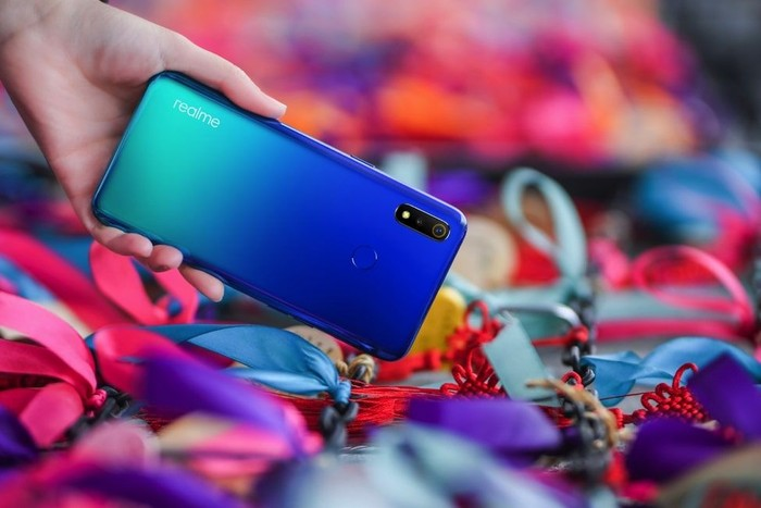 Canggihnya Smartphone Berdesain Unibodi Gradasi Di Bawah Rp 2 Juta
