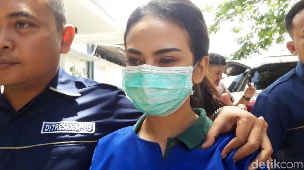 Dari Balik Tahanan, Vanessa Angel Menangis Rindu pada Ayah