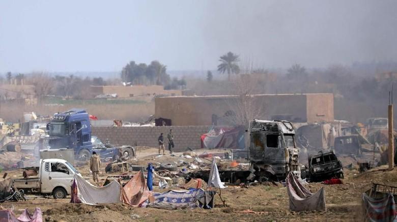 Ribuan Kombatan ISIS Akhirnya Menyerah di Suriah