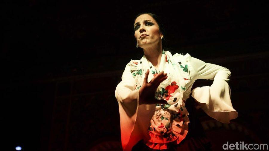 Flamenco merupakan salah satu tarian pergaulan tradisional yang berasal dari Andalusia, di wilayah selatan. Akar dari tarian Flamenco berasal dari budaya kaum Gipsi Andalusia dan budaya Islam Persia (M Resha Pratama/detikcom)