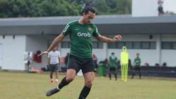 Terganjal Administrasi, Ezra Walian Terancam Absen di Kualifikasi Piala Asia U-23
