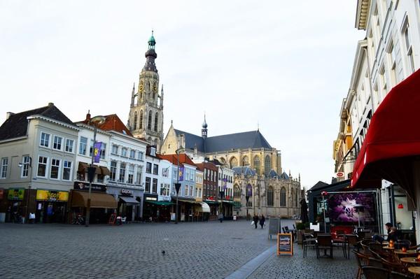Breda bisa masuk dalam daftar kunjungan kamu saat plesiran ke Belanda. Selamat datang di tanah kelahiran Van Dijk, Liverpooldian! (iStock)