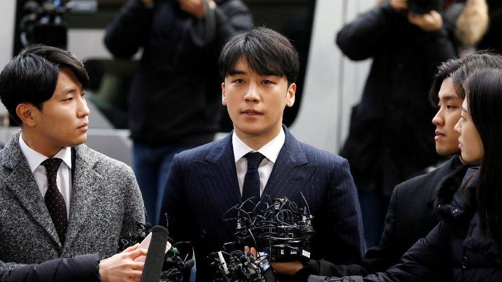 Seungri Dikritik karena Pakai Makeup Tebal saat Investigasi di Kantor Polisi