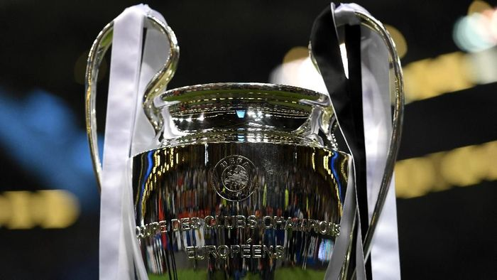 CARDIFF, WALES - JUNE 03:  The Champions League trophy is seen prior to the UEFA Champions League Final between Juventus and Real Madrid at National Stadium of Wales on June 3, 2017 in Cardiff, Wales.  (Photo by Shaun Botterill/Getty Images)
