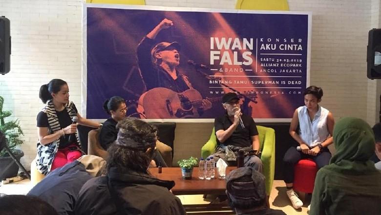 Foto: Iwan Fals gelar Konser Cinta (Saras/detikHOT)
