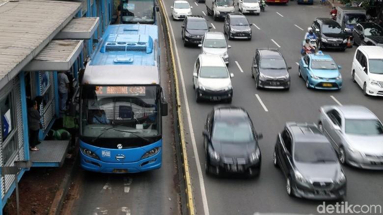 Penumpang TransJakarta Diprediksi Turun 50% Saat Pilpres