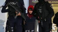 Ini berarti Doan tidak bernasib sama dengan Siti Aisyah, warga negara Indonesia (WNI), yang juga menjadi terdakwa dalam kasus yang sama dan telah dibebaskan pada Senin (11/3) lalu. Aisyah bebas setelah Jaksa Agung Malaysia mengajukan pencabutan dakwaan pembunuhan yang dijeratkan terhadapnya. Foto: Reuters
