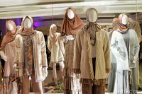 Koleksi baju Lebaran 2019 bertajuk 'Nostalgia' rancangan Ivan Gunawan.