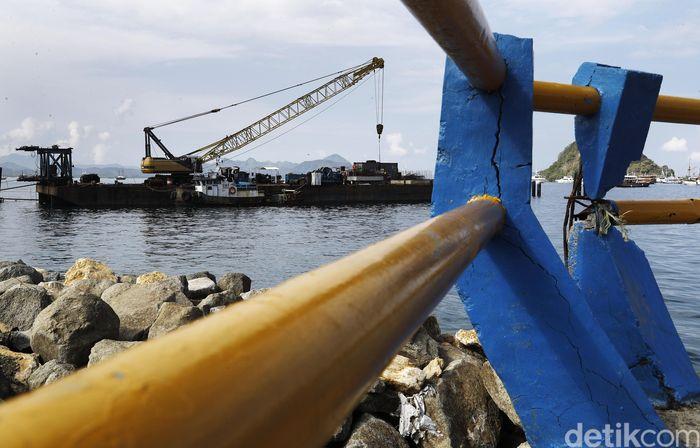Pemerintah pusat mulai membangun dermaga baru pelabuhan penumpang di Labuan Bajo, Ibu kota Kabupaten Manggarai Barat di Pulau Flores, Nusa Tenggara Timur.