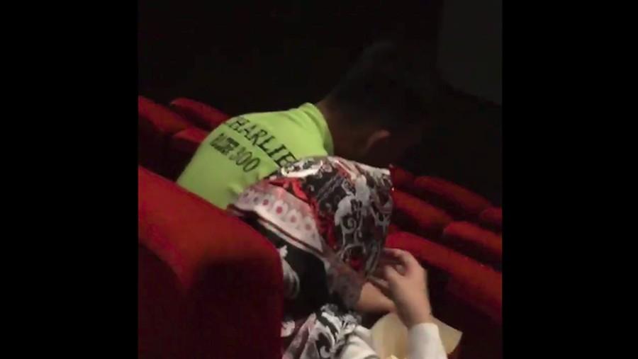 Viral Merokok di Bioskop