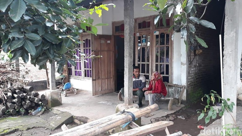 Tersihir Fatwa Kiamat, Satu Keluarga di Jombang Jual Rumah dan Ternak