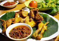 Jalan-jalan di Bogor Jangan Lupa Mampir ke Resto Lesehan khas Sunda