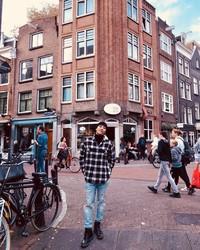 Nih saat Seungri di Amsterdam. (seungriseyo/Instagram)