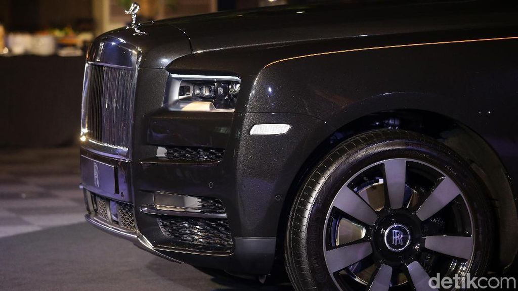 Rolls-Royce Tunjuk Mantan Desainer Bugatti Veyron Sebagai Kepala Desainer