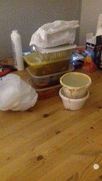 Wanita Ini Putuskan Jual Makanan Sisa di Rumahnya Lewat Facebook