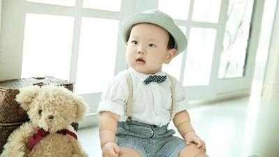 35 Inspirasi Nama Bayi Laki-laki Bermakna Penyayang