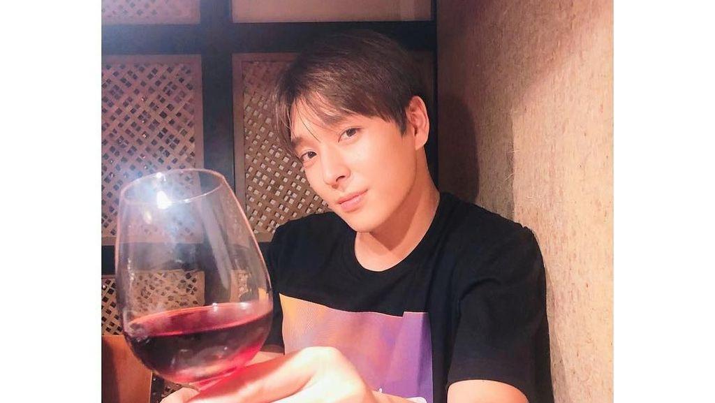 Terlibat Kasus Seungri, Ini Momen Kulineran Choi Jong Hoon Eks F.T Island