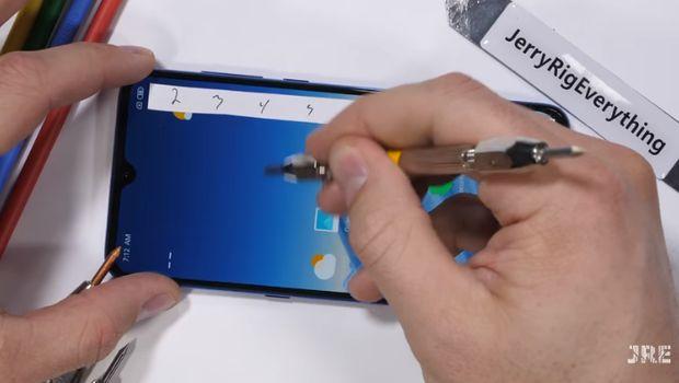 Seberapa Tahan Xiaomi Mi 9 Saat Disiksa Habis-habisan?