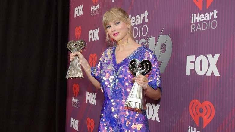 Penampilan Menggoda Taylor Swift di iHeartRadio Awards 2019