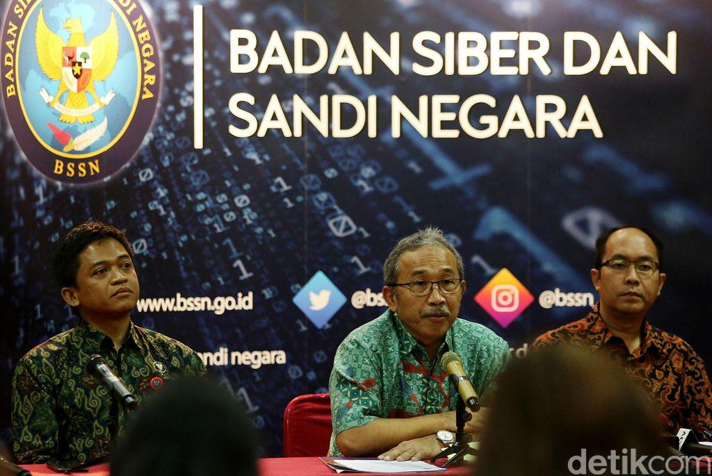Badan Siber dan Sandi Negara (BSSN) mengundang dua penyelenggara media sosial populer di Indonesia, yaitu Facebook dan Twitter, untuk melakukan pembahasan di kantor BSSN, Jakarta, Jumat (13/3/2019).